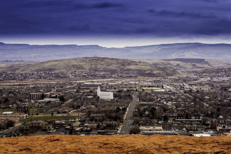 Het overzien van de stad St. George Utah stock foto