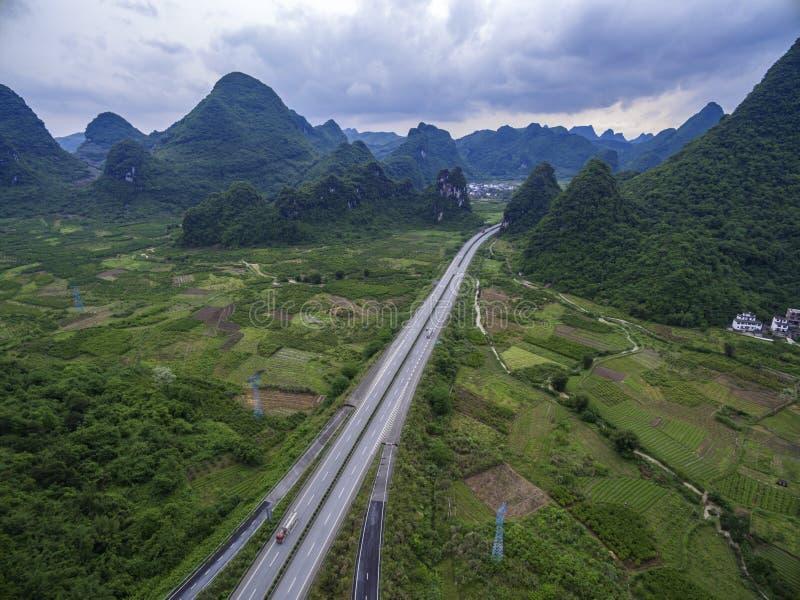 Het overzien van het wegviaduct royalty-vrije stock afbeelding