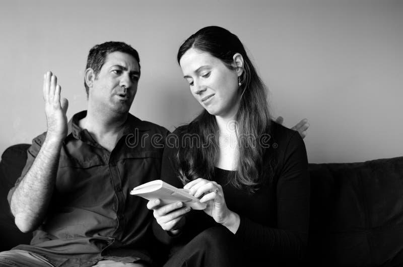 Het paar gaat over levensverwachting niet akkoord stock foto