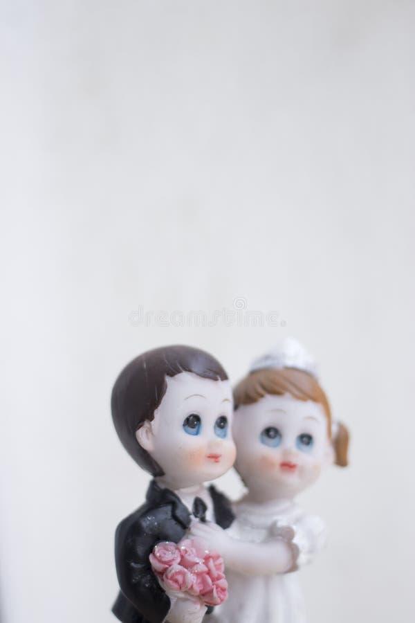 Het paar van het cake topper huwelijk royalty-vrije stock afbeeldingen