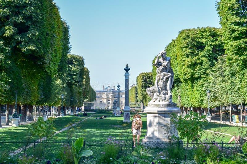 Het Paleis en de Tuinen van Parijs Luxemburg in de Zomer royalty-vrije stock afbeeldingen