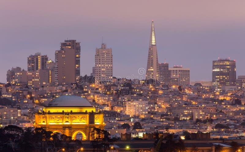 Het Paleis en San Francisco Skyline royalty-vrije stock fotografie