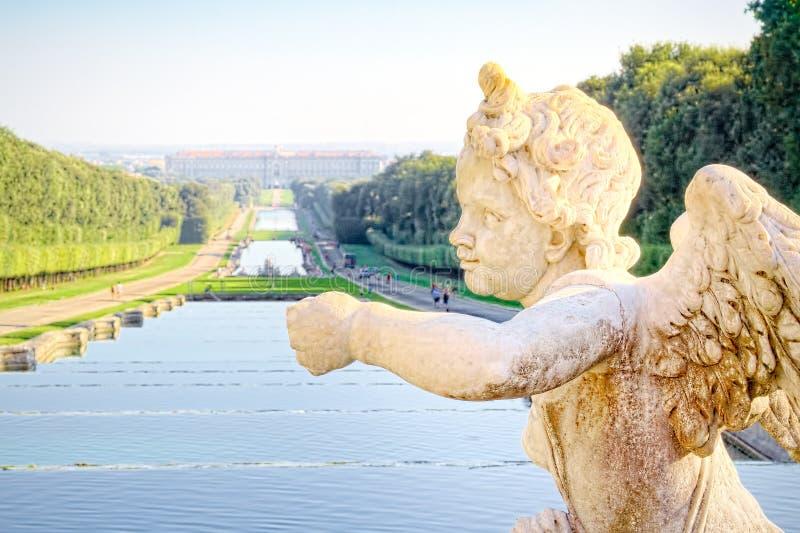 Het paleis van Caserta, een koninklijk paleis met een immens die park in Caserta wordt gevestigd stock fotografie
