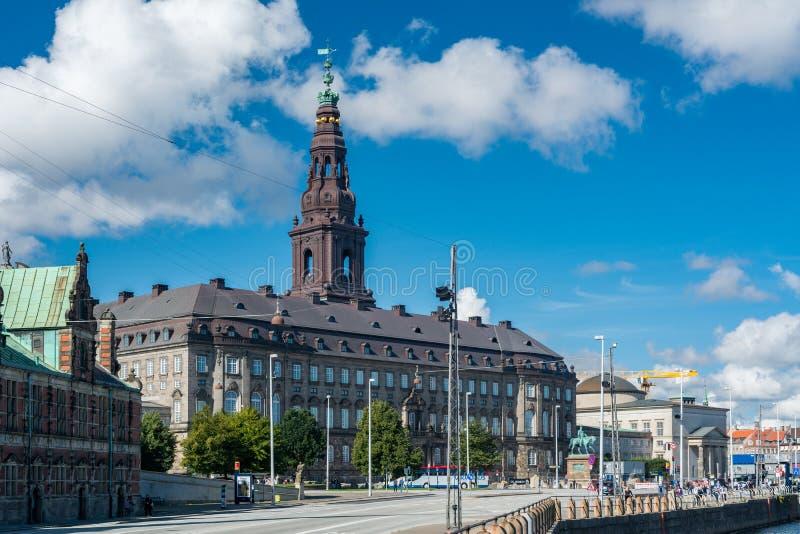 Het Paleis van Christiansborg in Kopenhagen stock foto's