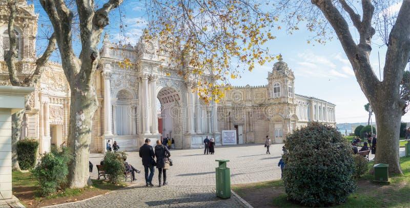 Het Paleis van Dolmabahce E stock afbeeldingen