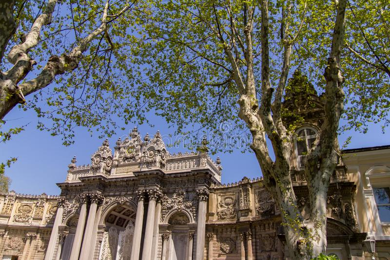 Het paleis van Dolmabahce in Istanboel Turkije royalty-vrije stock foto