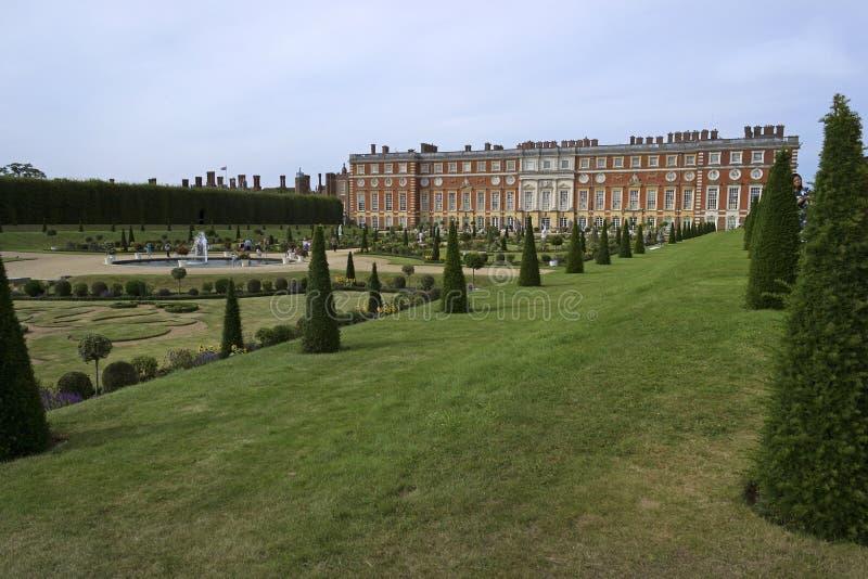 Het Paleis van het Hampton Court stock foto's