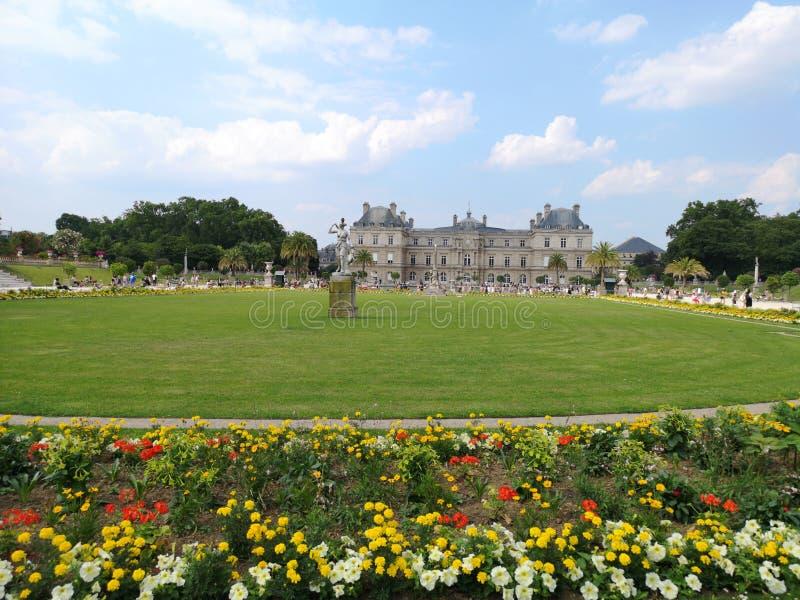 Het Paleis van Luxemburg in de Tuinen van Luxemburg, Parijs, Frankrijk royalty-vrije stock foto