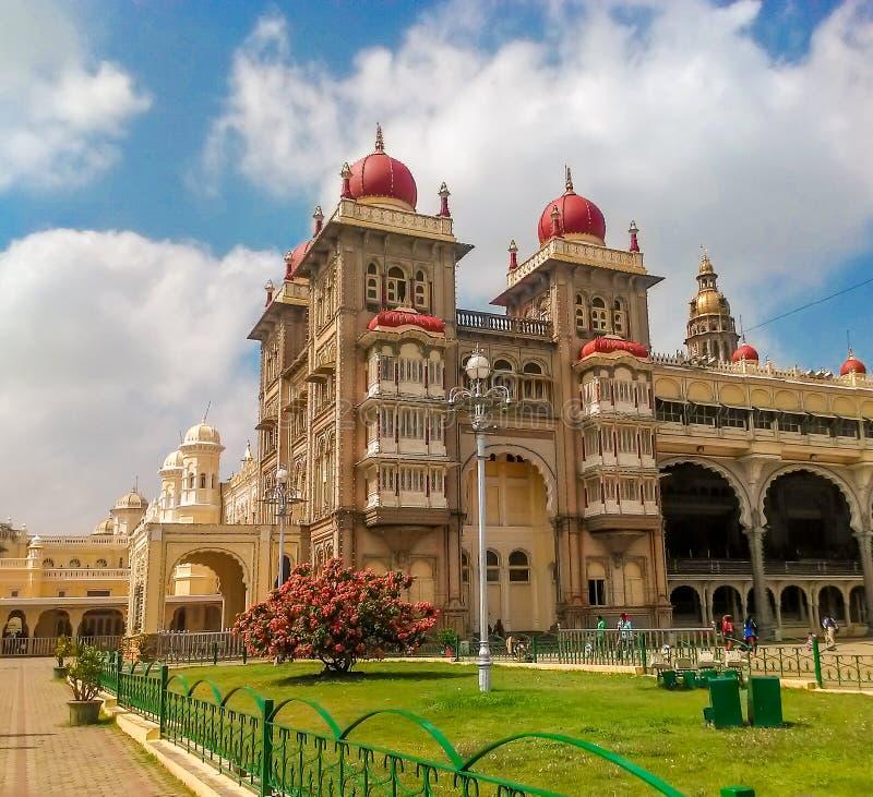 Het paleis van Mysore in de Indische Staat van Karnataka stock foto