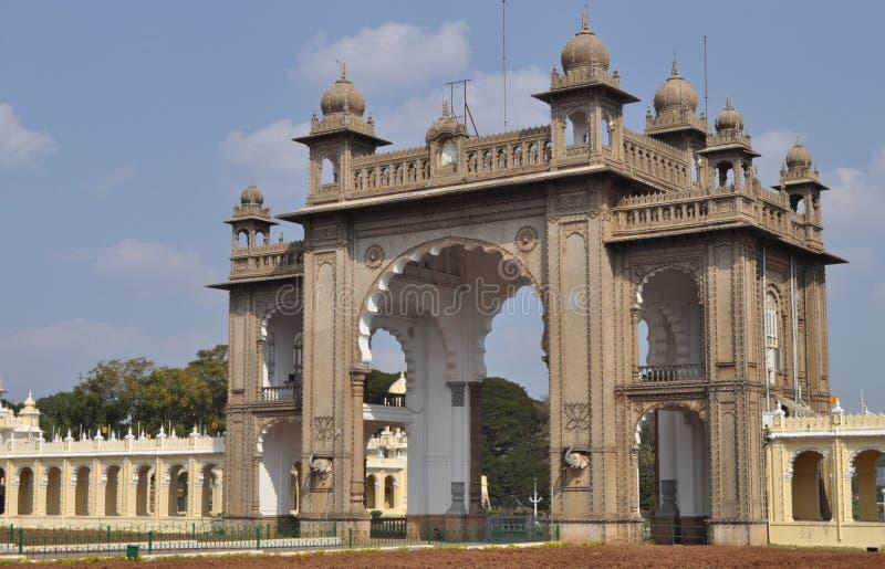 Het Paleis van Mysore (Hoofdingang). royalty-vrije stock fotografie