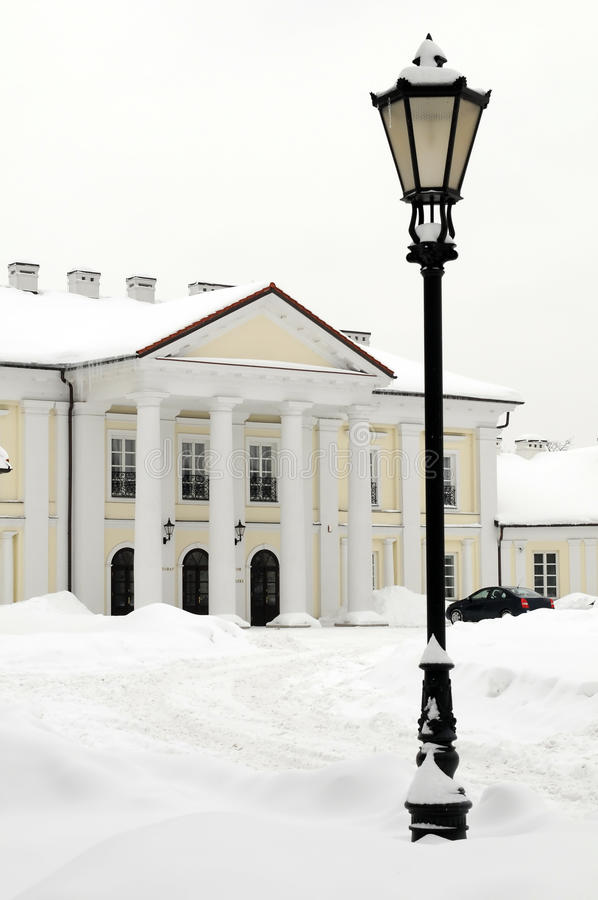 Het Paleis van Oginski in Siedlce, Polen in de winter stock fotografie
