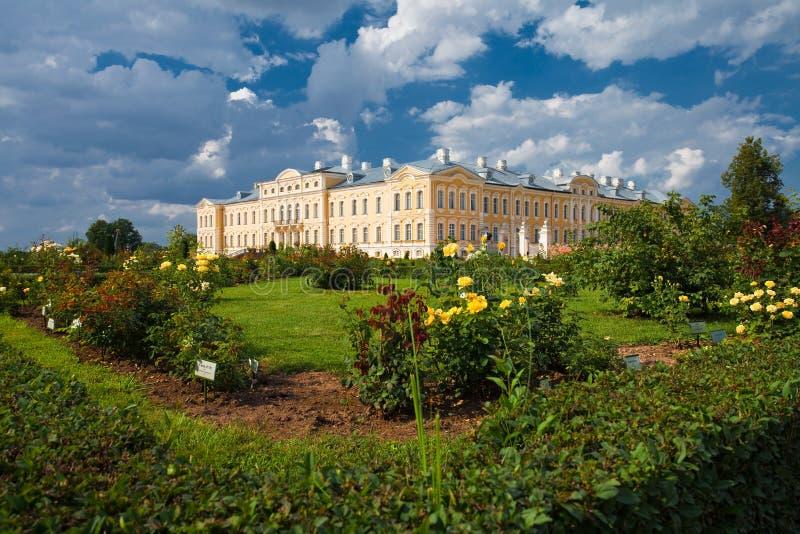 Het Paleis van Rundale in Letland royalty-vrije stock afbeelding