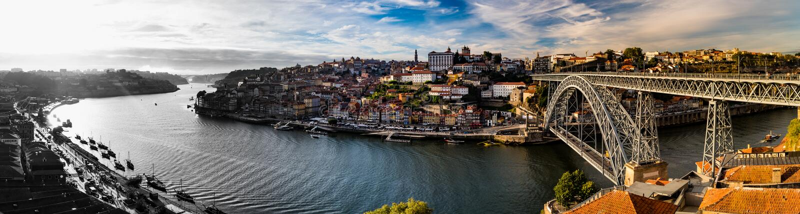 Het panorama in Ribeiro wordt genomen doet Porto, Porto, Portugal dat royalty-vrije stock foto