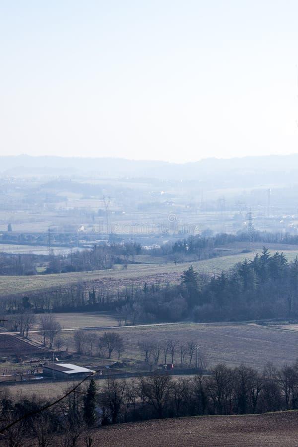Het panorama u kan van een heuvel zien stock fotografie