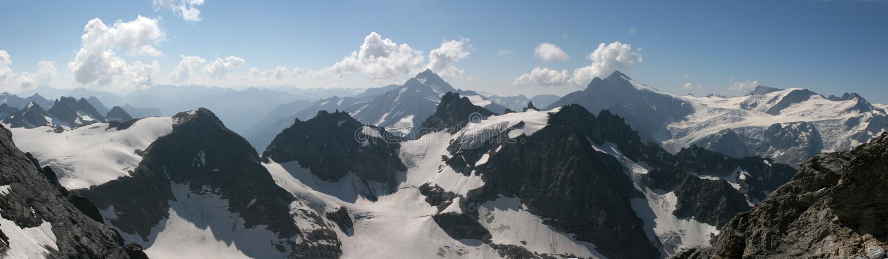 Het panorama van alpen royalty-vrije stock afbeelding