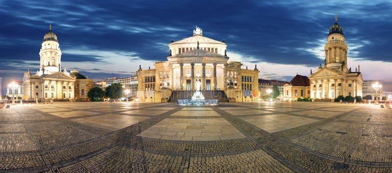 Het panorama van Berlijn met kerk en kathedraal royalty-vrije stock fotografie