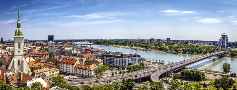 Het panorama van Bratislava stock fotografie