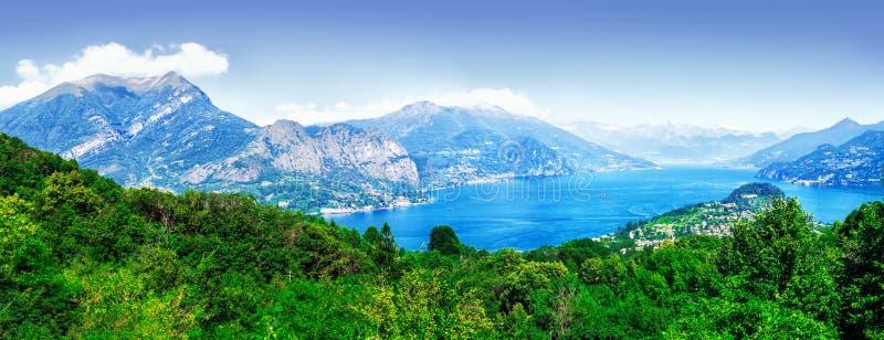 Het panorama van het Comomeer, Lombardije, Italië stock afbeeldingen