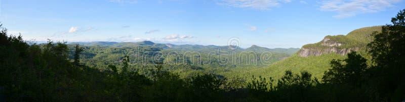 Het panorama van de berg stock afbeelding
