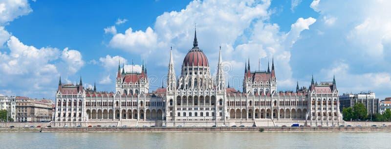 Het panorama van de Bouw van het Parlement van Hongarije royalty-vrije stock foto