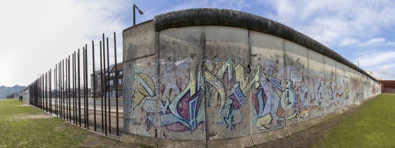 Het panorama van de de muur herdenkings hoge definitie van Berlijn stock afbeeldingen