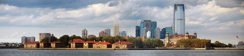 Het Panorama van de Horizon van het Eiland van Ellis van de Stad van New York royalty-vrije stock afbeelding