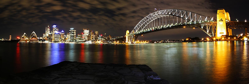 Het Panorama van de Horizon van Sydney bij nacht royalty-vrije stock fotografie