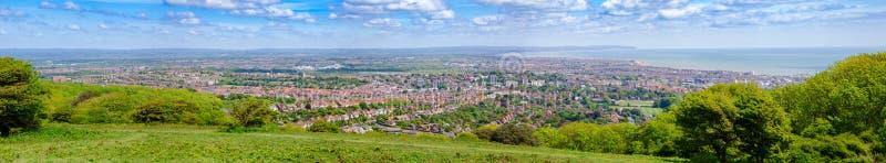 Het panorama van de de kusttoevlucht van Eastbourne van Zuiden wordt bekeken verslaat Manier N dat royalty-vrije stock foto