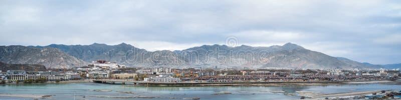 Het panorama van de Lhasastad royalty-vrije stock foto's