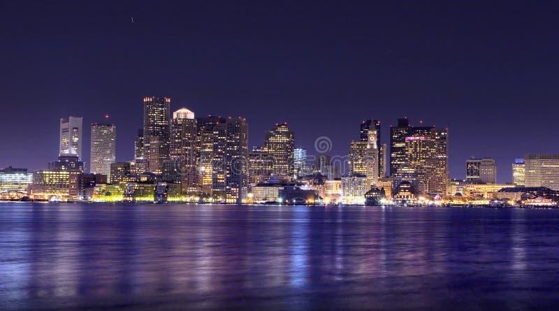 Het Panorama van de Nacht van Boston stock afbeeldingen