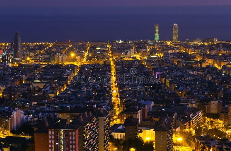 Het panorama van de nacht van de stad van Barcelona Spanje stock foto