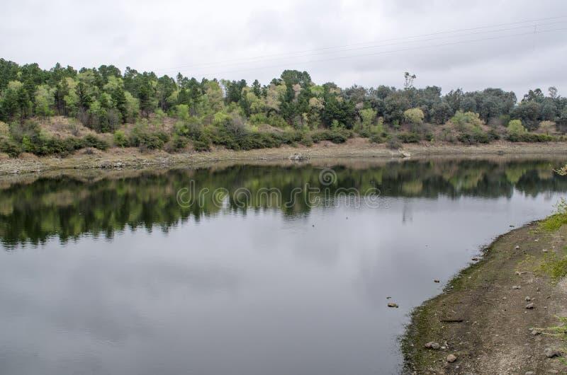 Het panorama van de rivier royalty-vrije stock afbeelding