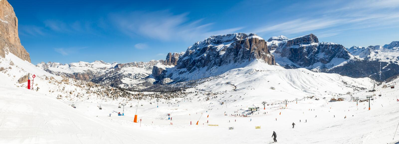 Het panorama van de skitoevlucht stock fotografie