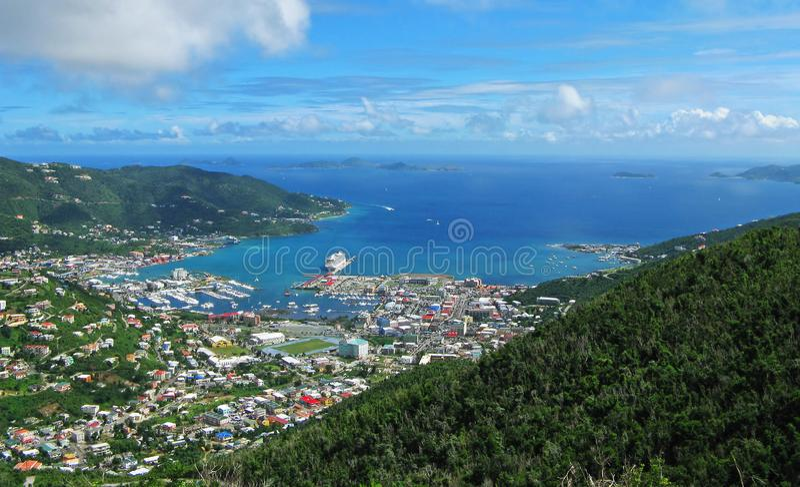 Het panorama van de wegstad royalty-vrije stock fotografie