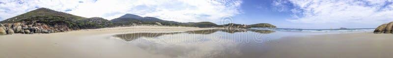Het panorama van de wiskybaai in Wilsons Prom, Australië stock fotografie