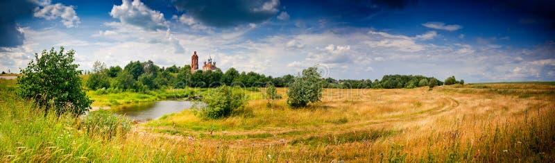 Het panorama van de zomer stock foto's