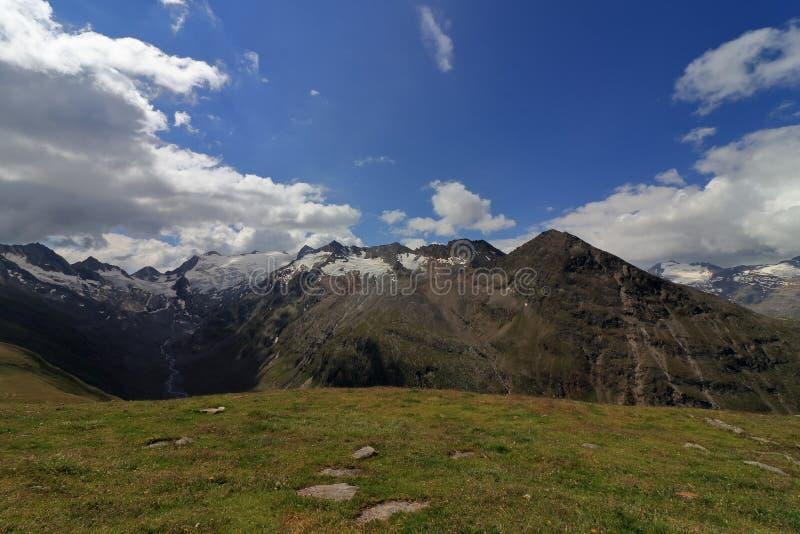 Het panorama van het gletsjerlandschap dichtbij Obergurgl, Oetztal in Tirol, Oostenrijk royalty-vrije stock afbeelding