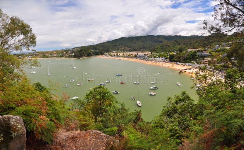 Het Panorama van het Strand van Kaiteriteri, Nieuw Zeeland stock afbeelding