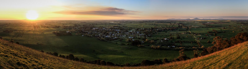 Het panorama van MT wekt Vooruitzicht bij zonsondergang, Penhurst, Victoria, Australië op, royalty-vrije stock foto