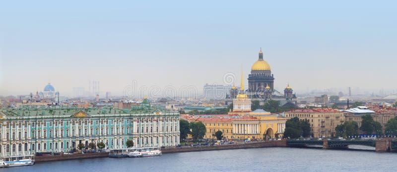 Het panorama van St. Petersburg stock fotografie