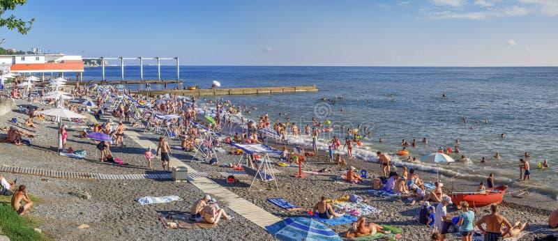Het Panorama van het Strand slikt Microdistrict Mamaika, Sotchi, Rusland royalty-vrije stock afbeeldingen