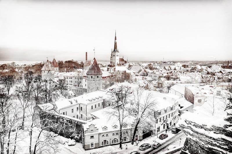 Het panorama van Tallinn in de winterochtend royalty-vrije stock foto's