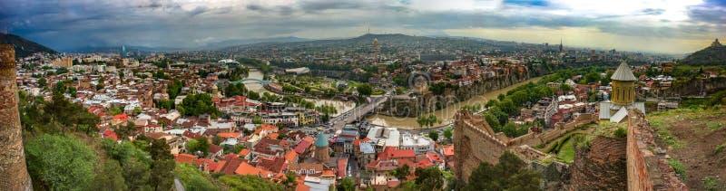 Het panorama van Tbilisi, Georgië, Narikala, mag 2017 royalty-vrije stock foto