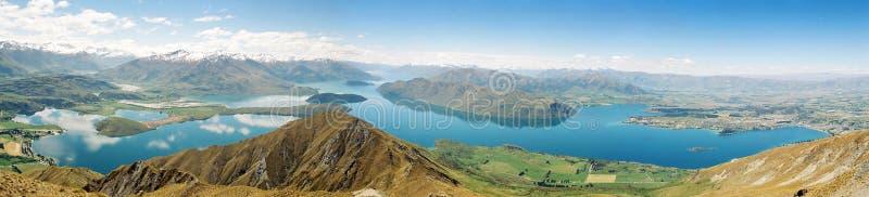 Het panorama van Wanaka van het meer stock foto
