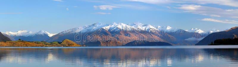 Het Panorama van Wanaka van het meer, Nieuw Zeeland royalty-vrije stock foto