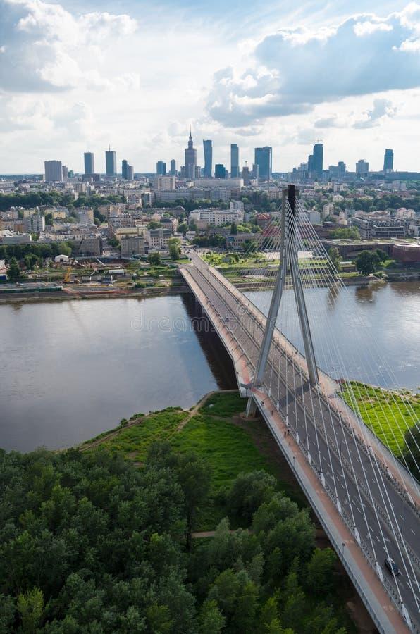 Het panorama van Warshau, brug ?wi?tokrzyski royalty-vrije stock fotografie