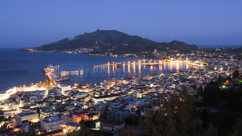 Het panorama van Zakynthos over de Stad van hoofdstadzante bij nachtverstand royalty-vrije stock foto's