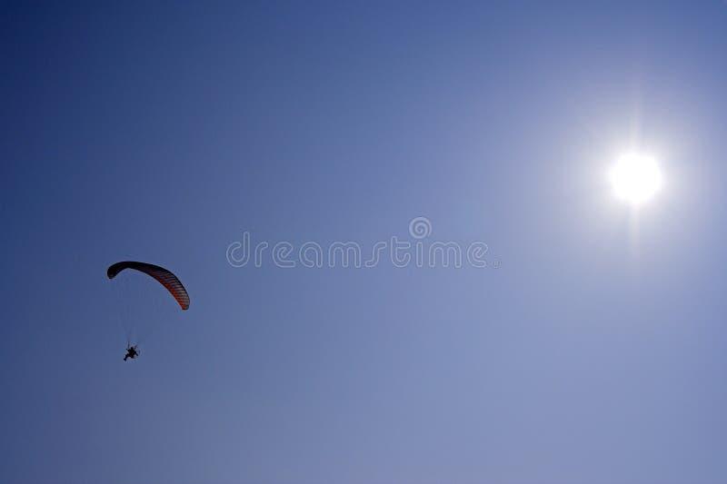 Het parachuteren stock foto