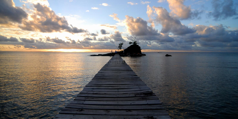 Het Paradijs van het zonsondergangeiland royalty-vrije stock afbeelding