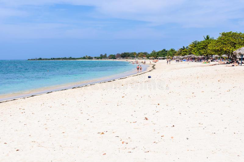 Het paradijsstrand van Playa Ancon in Cuba royalty-vrije stock afbeeldingen